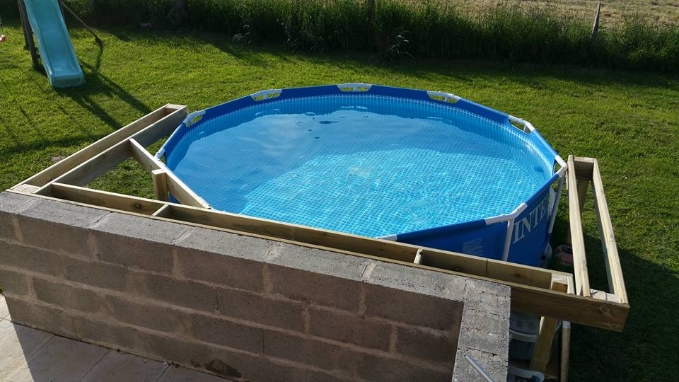 Montage piscine hors sol intex tubulaire skimmer de for Piscine autoportee intex leclerc