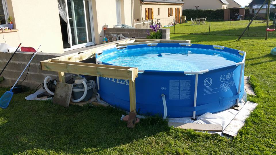 Fabrication terrasse bois piscine hors sol for Piscine intex hors sol