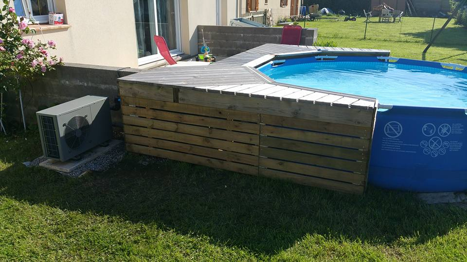 ma mini piscine avec mini terrasse. Black Bedroom Furniture Sets. Home Design Ideas